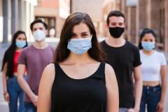 Studenti con mascherina